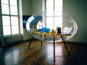 photo of Pneumatische Vitrine
